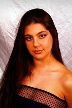"""Maria Giovanna Cherchi è nata e vive a Bolotana. Inizia a cantare dall'età di 6 anni, questo, grazie al padre Pietrino, musicista e cantante solista dei """" ... - MariaGiovannaCherchi3"""