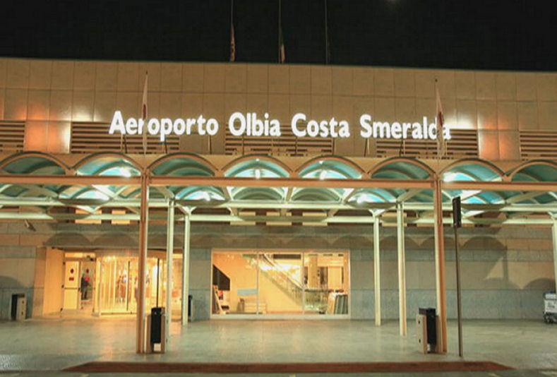 Aeroporto Di Olbia Costa Smeralda  Record Passeggeri Nel 2011  Da Vena Fiorita Alla Moderna